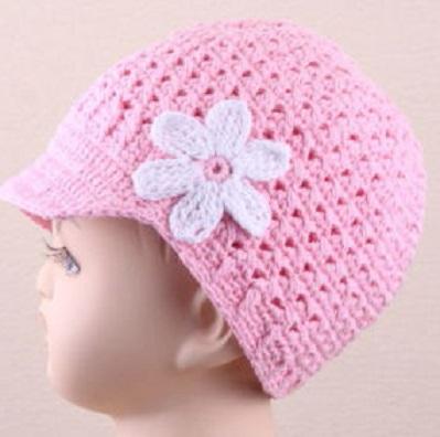 pembe beyaz çiçekli kız çocuk şapka örnek modeli