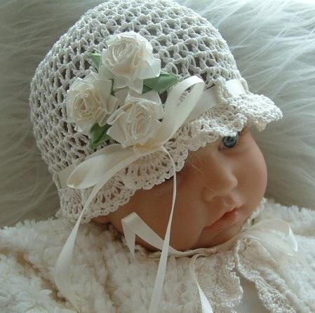 sade beyaz modern kız çocuk şapka örnek modeli