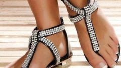 Yeni Sezon Taşlı Bayan Sandalet Modelleri